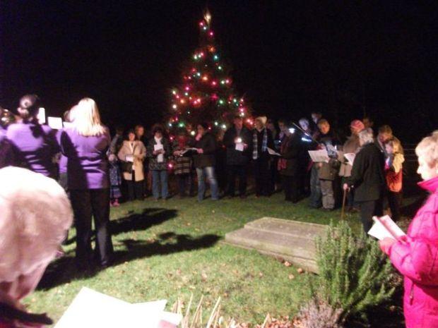 Carols round the tree 2013 011