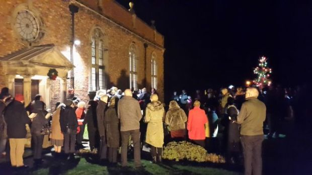 Carols Round the Tree, 2015 012a